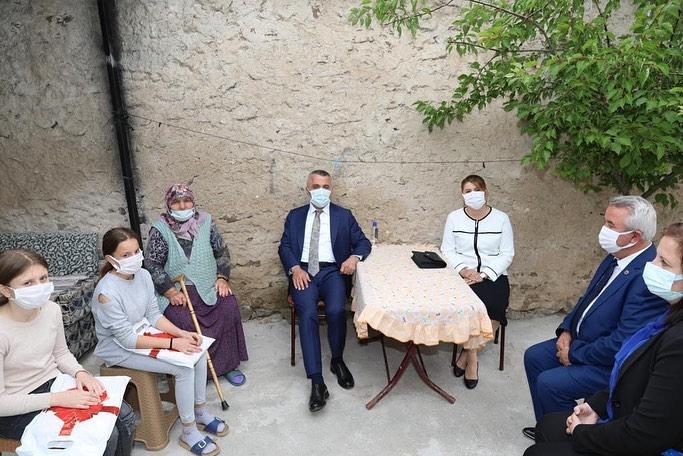 Valimiz Osman BİLGİN ve Eşi İlknur BİLGİN'den Beldemize ziyaret…